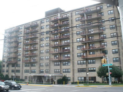 Staten Island NY Co-op For Sale: $154,000