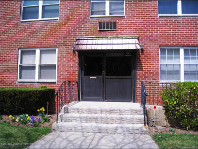Staten Island NY Condo/Townhouse For Sale: $279,000