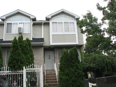 Staten Island NY Two Family Home For Sale: $679,999