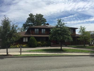 Staten Island NY Two Family Home For Sale: $1,500,000