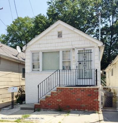 Staten Island NY Single Family Home For Sale: $269,000