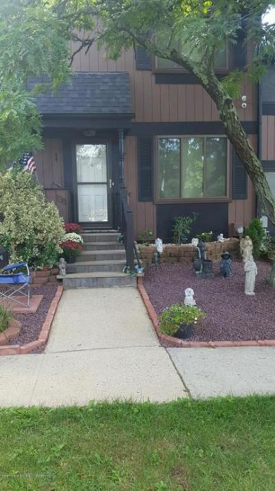 Staten Island NY Condo/Townhouse For Sale: $424,000