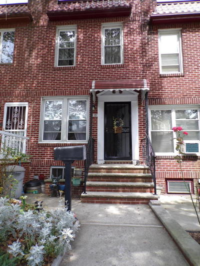Brooklyn Single Family Home For Sale: 439 Marine Avenue
