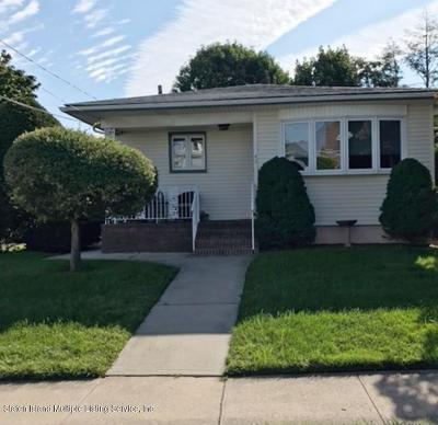 Single Family Home For Sale: 43 Quinlan Avenue