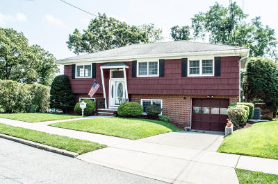 Staten Island Two Family Home For Sale: 2 Schmidts Lane