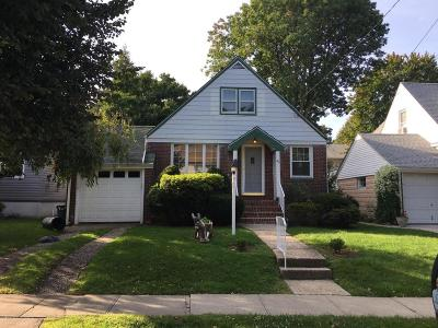 Staten Island NY Single Family Home For Sale: $625,000