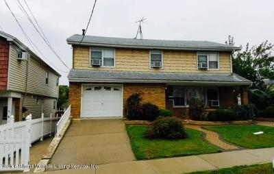 Staten Island NY Single Family Home For Sale: $739,000