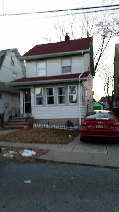Staten Island Single Family Home For Sale: 384 Sheffield Street