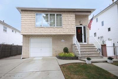 Staten Island NY Two Family Home For Sale: $799,888