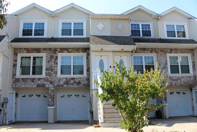 Staten Island Two Family Home For Sale: 12 Dartmouth Loop