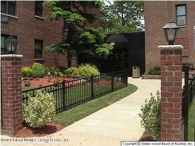 Staten Island Condo/Townhouse For Sale: 145 Lincoln Avenue #1 W