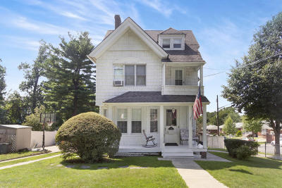 Two Family Home For Sale: 212 Manor Road
