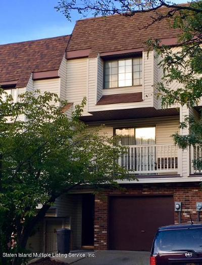 Condo/Townhouse For Sale: 137 Russek Drive