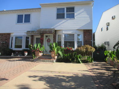 Single Family Home For Sale: 55 Ironwood Street