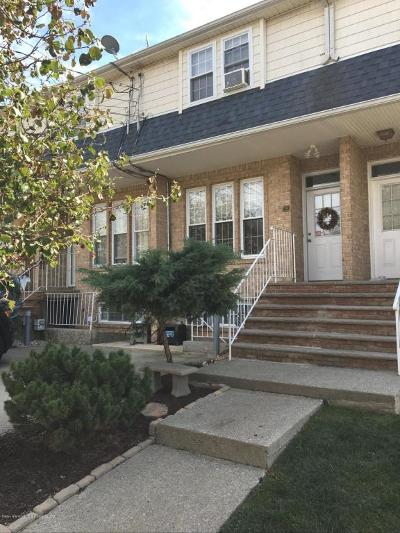 Staten Island Single Family Home For Sale: 60 Poplar Ave