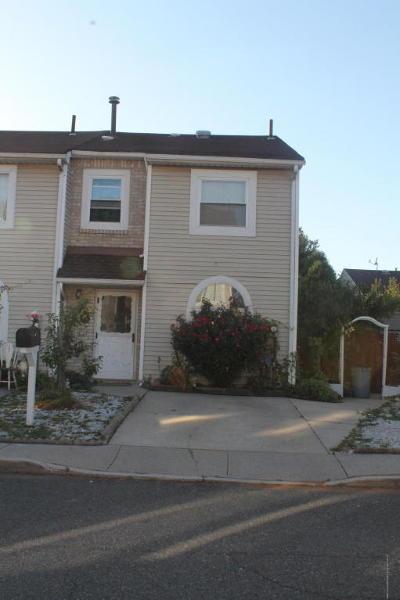 Single Family Home Acceptance: 43 Doreen Drive