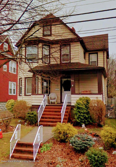 Single Family Home For Sale: 704 Delafield Avenue
