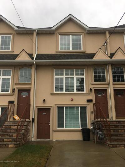 Richmond County Single Family Home Acceptance: 296 Garretson Avenue