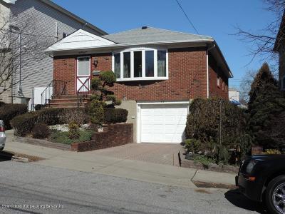Single Family Home For Sale: 37 Beach Avenue