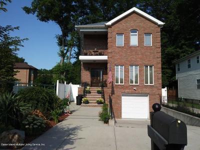 Single Family Home For Sale: 305 Sharrott Avenue
