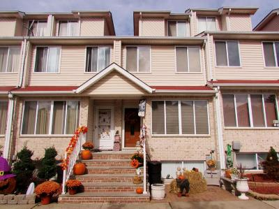 Staten Island NY Single Family Home For Sale: $508,000