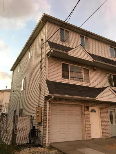 Single Family Home For Sale: 155 Father Capodanno Boulevard