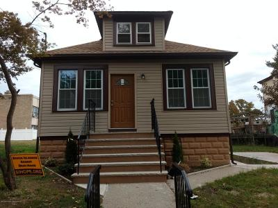 Single Family Home For Sale: 235 Harbor Road