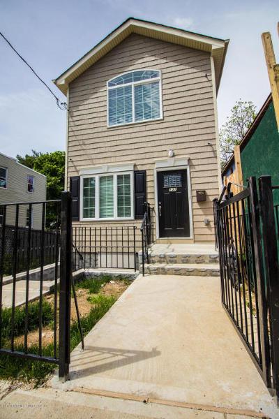 Single Family Home Acceptance: 137 Hendricks Avenue
