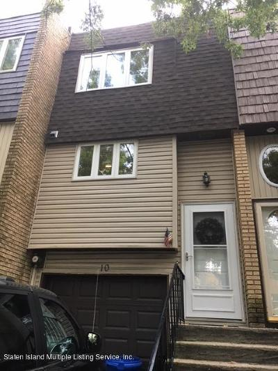 Single Family Home Acceptance: 10 Russek Drive
