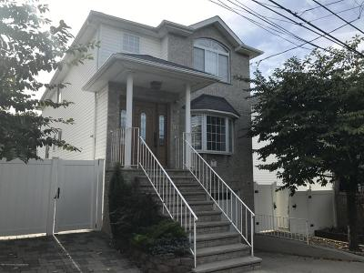 Single Family Home For Sale: 26 Meagan Loop