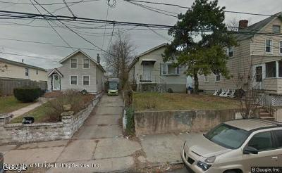 Single Family Home For Sale: 140 Van Pelt Avenue