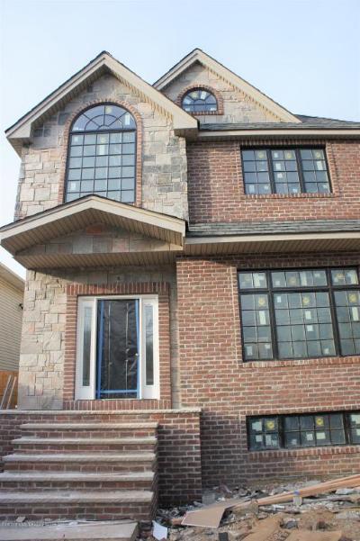 Richmond County Two Family Home For Sale: 386 Poillon Avenue