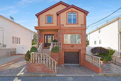 Single Family Home For Sale: 24 Comfort Court