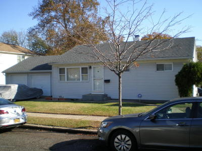 Single Family Home For Sale: 185 Elvin Street