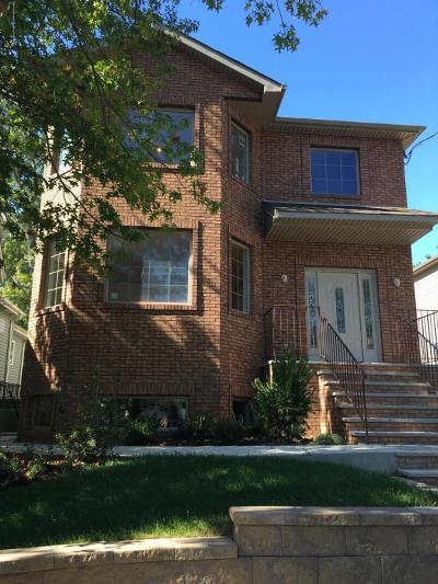 Two Family Home For Sale: 338 Manhattan Street