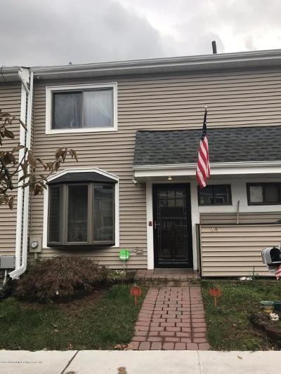 Staten Island Condo/Townhouse Acceptance: 24 Meadow Court