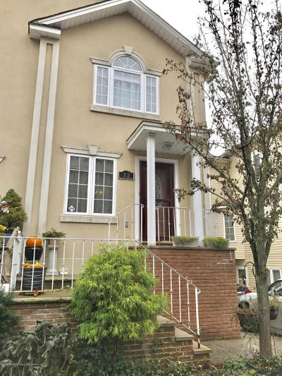 Staten Island NY Two Family Home For Sale: $649,000
