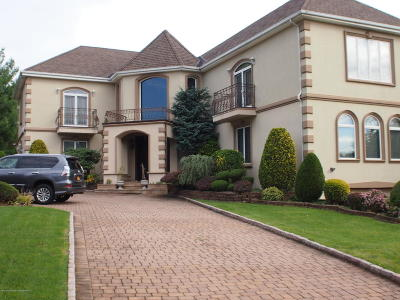 Staten Island NY Single Family Home For Sale: $2,499,000