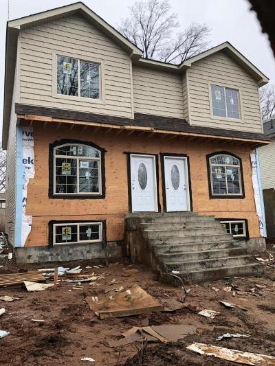 Semi-Attached For Sale: 586 Woolley Avenue