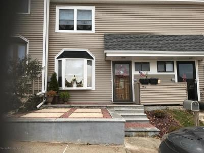 Staten Island Condo/Townhouse Acceptance: 24 Redwood Loop