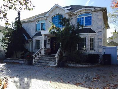 Two Family Home For Sale: 224 Carteret Street