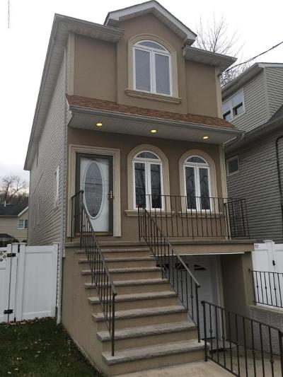 Single Family Home For Sale: 98 Burke Avenue