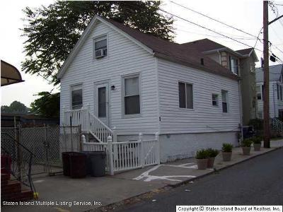 Single Family Home For Sale: 48 White Plains Avenue
