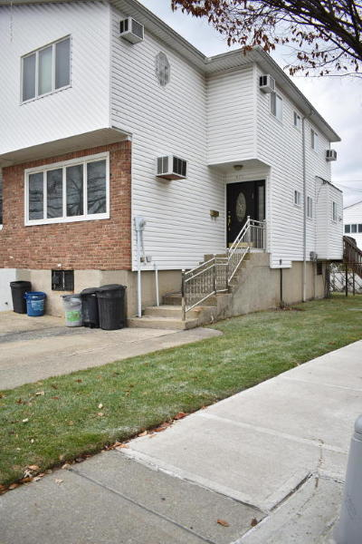 Semi-Attached For Sale: 471 Harold Street