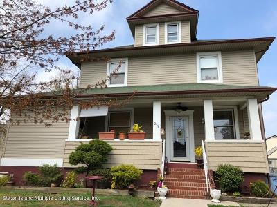 Single Family Home Acceptance: 256 Wardwell Ave