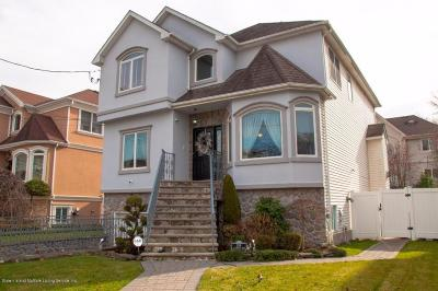 Single Family Home For Sale: 108 St Andrews Road