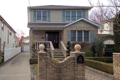 Single Family Home For Sale: 14 Burbank Avenue
