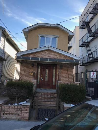 Brooklyn Single Family Home For Sale: 2414 Benson Avenue