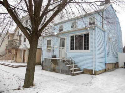 Single Family Home For Sale: 230 Anderson Street