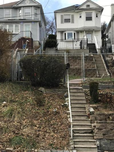 Single Family Home For Sale: 120 York Avenue